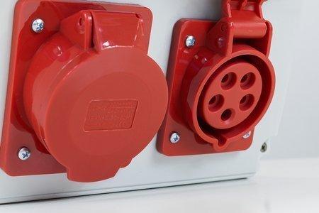 Stavební rozváděč s příslušenstvím ASTAT 446 Plus IP65 32A/5P, 16A/5P, 4x230V IP44, vypínače Schneider EDO777446